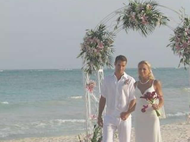 Imagine_Tours_Beach_Ceremony